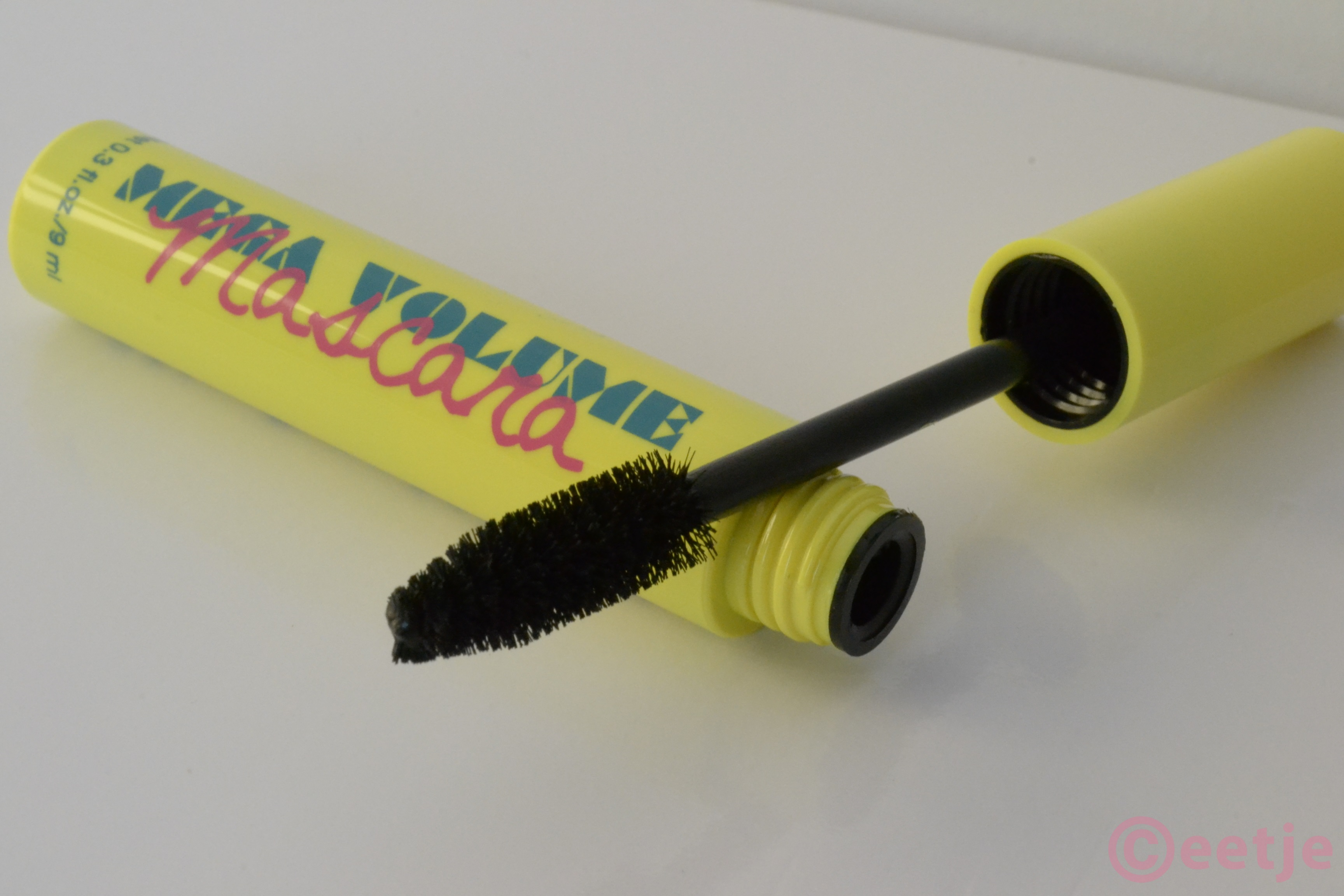 H&M mega volume mascara