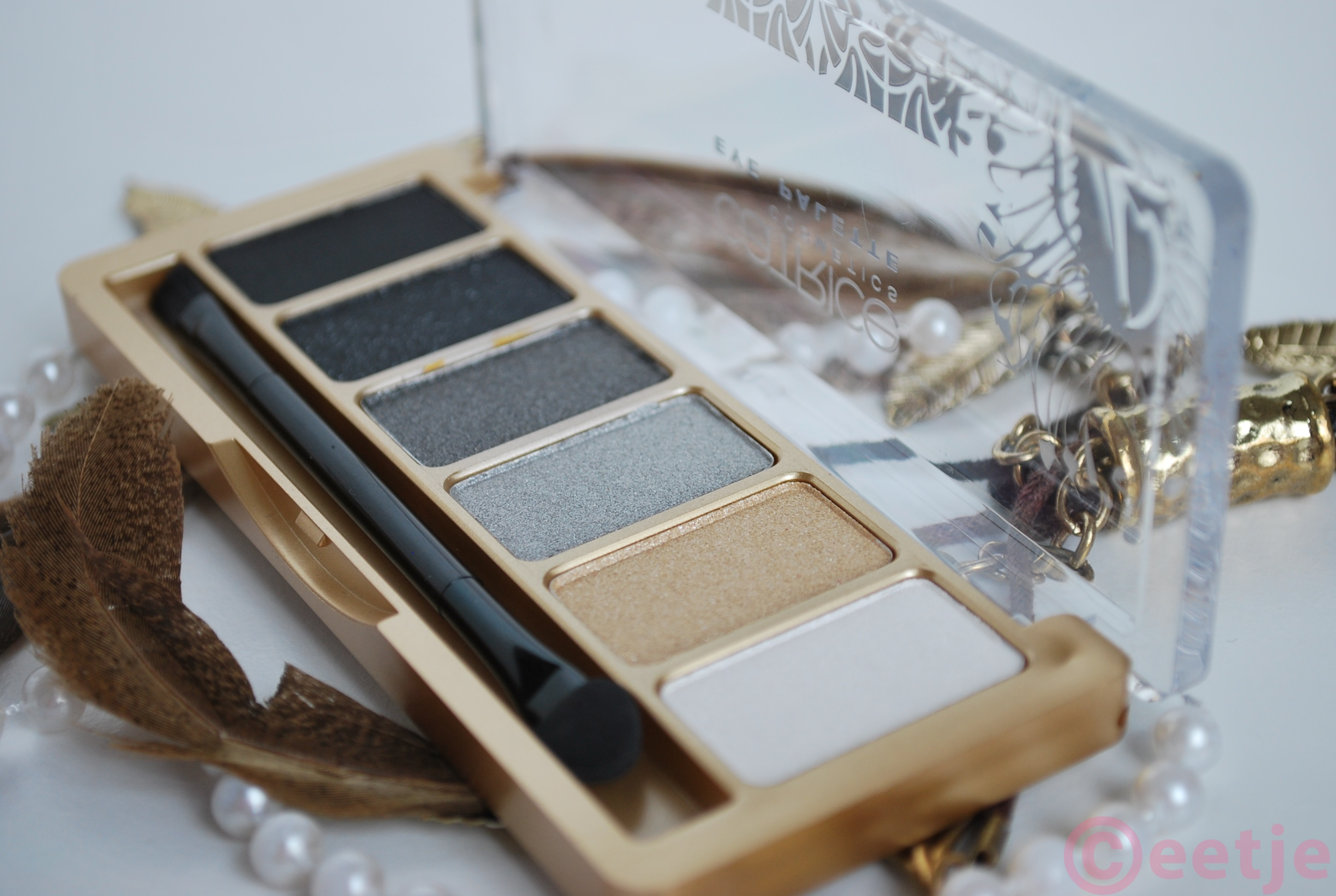 Catrice Feathers and Pearls eyeshadow palette review swatches