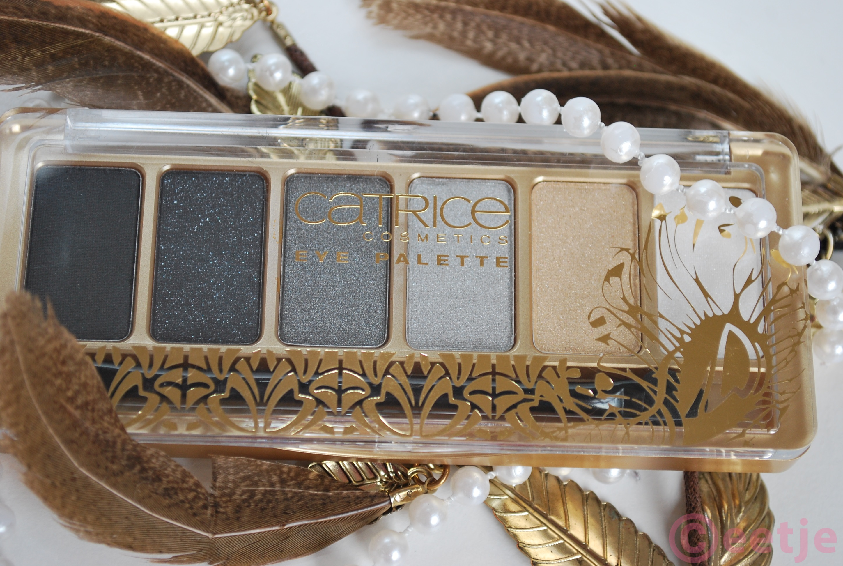 Catrice Feathers and pearls palette review