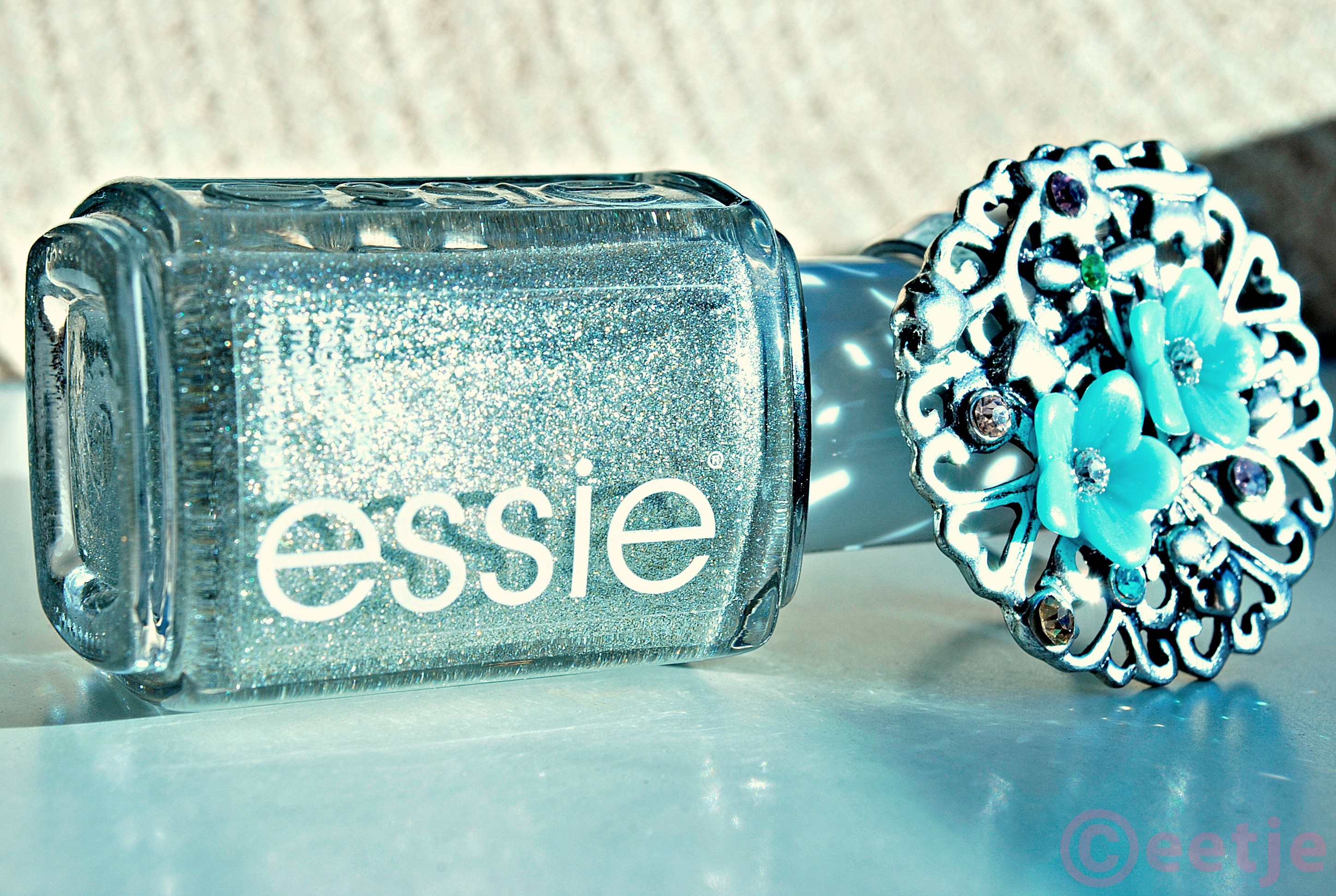Essie beyond cozy review