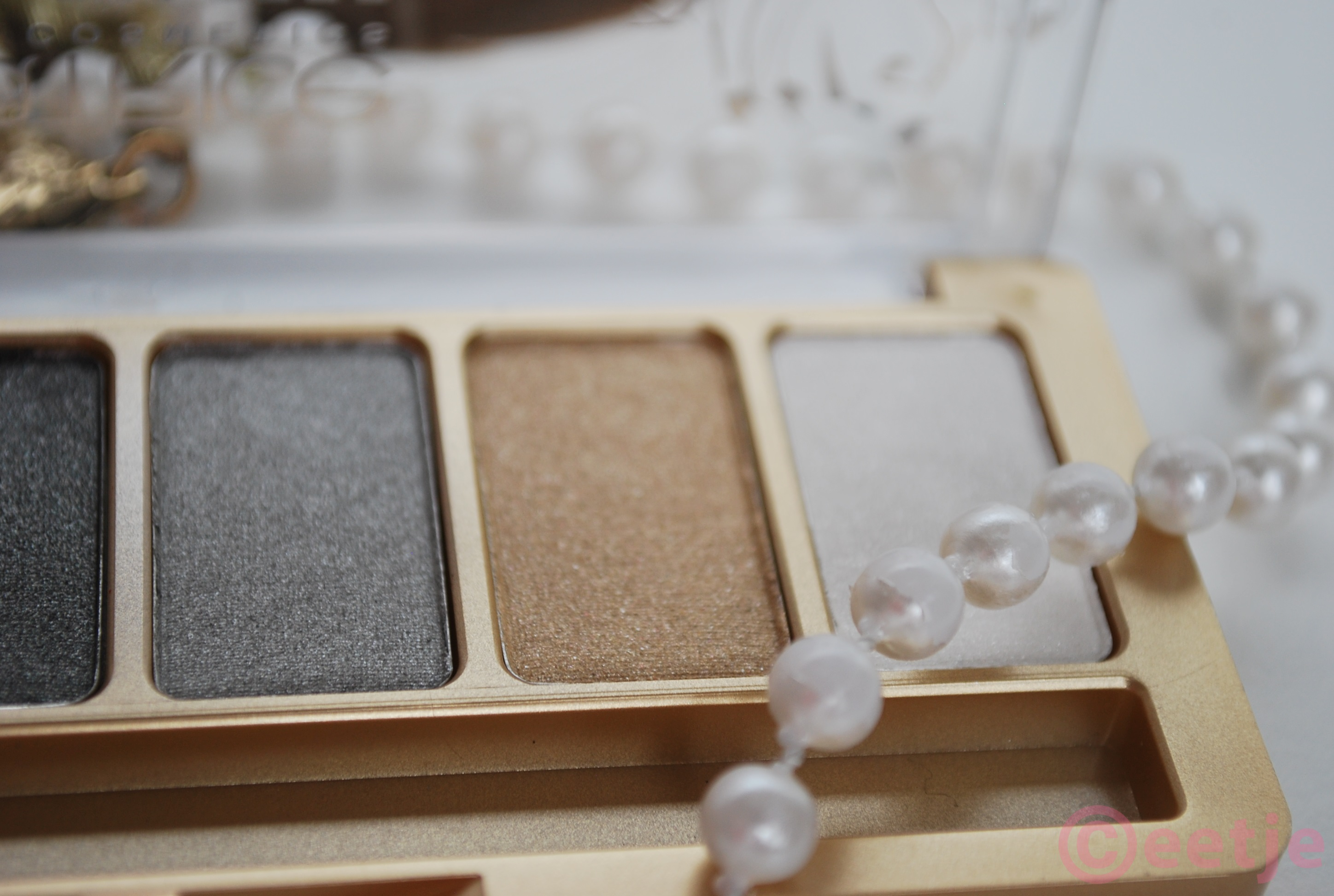 Feathers and pearls Catrice oogschaduw palette review