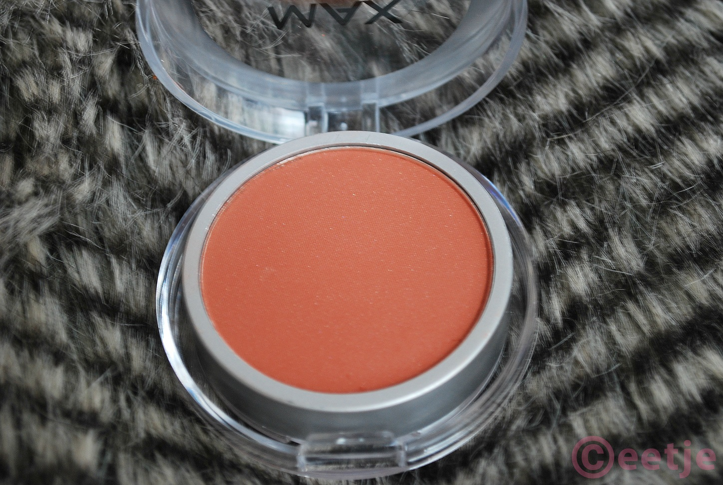Review blush Action Max brown