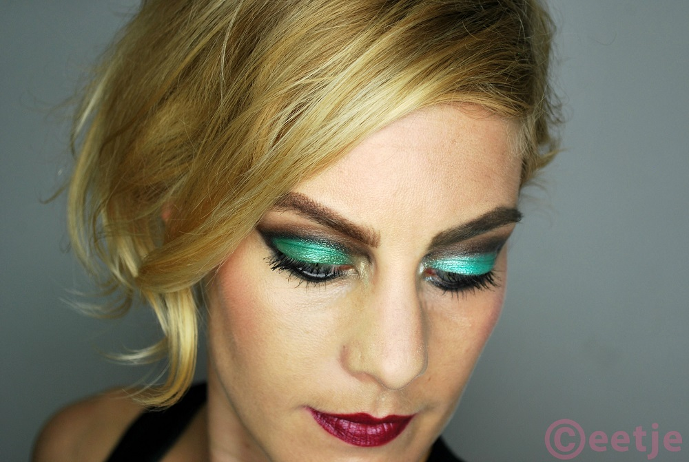 smokey eye smudge green