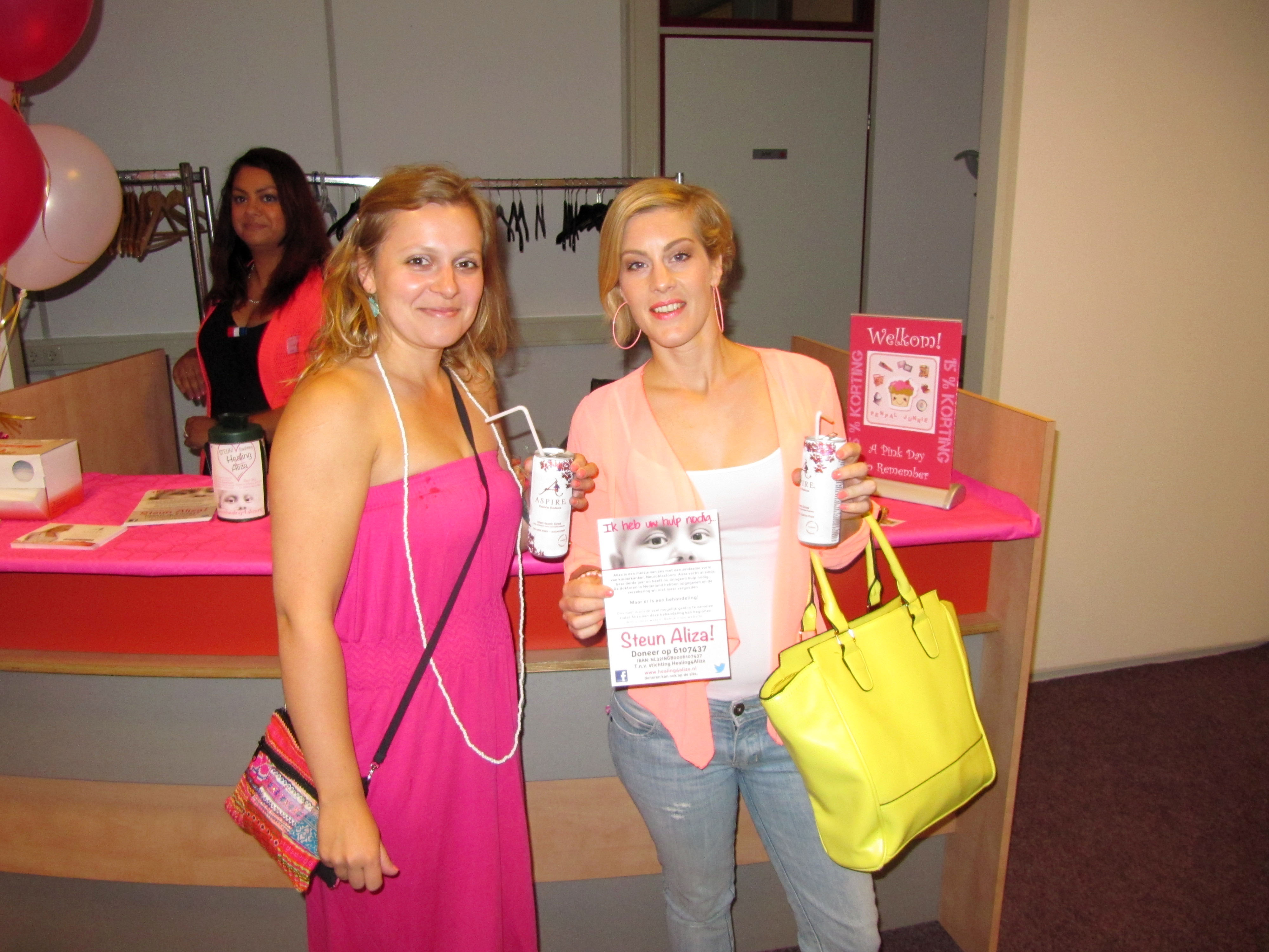 Penpal Junkie event a pink day to remember