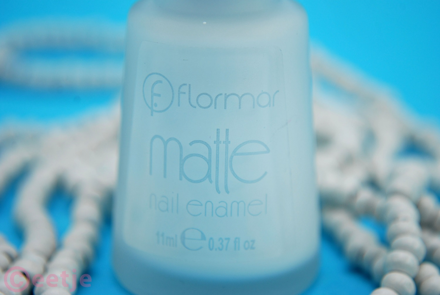 Matte white nailpolish review swatch Flormar