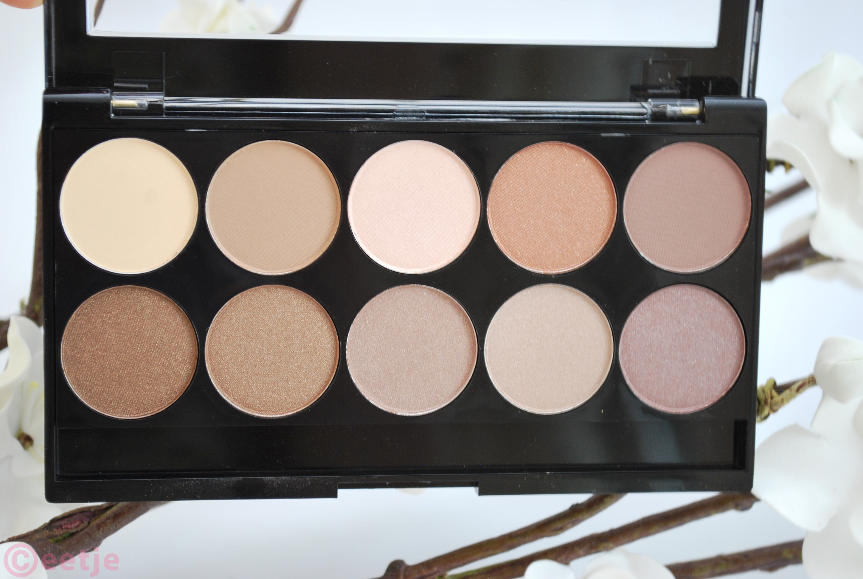 W7 10 out of 10 eyeshadow palette browns