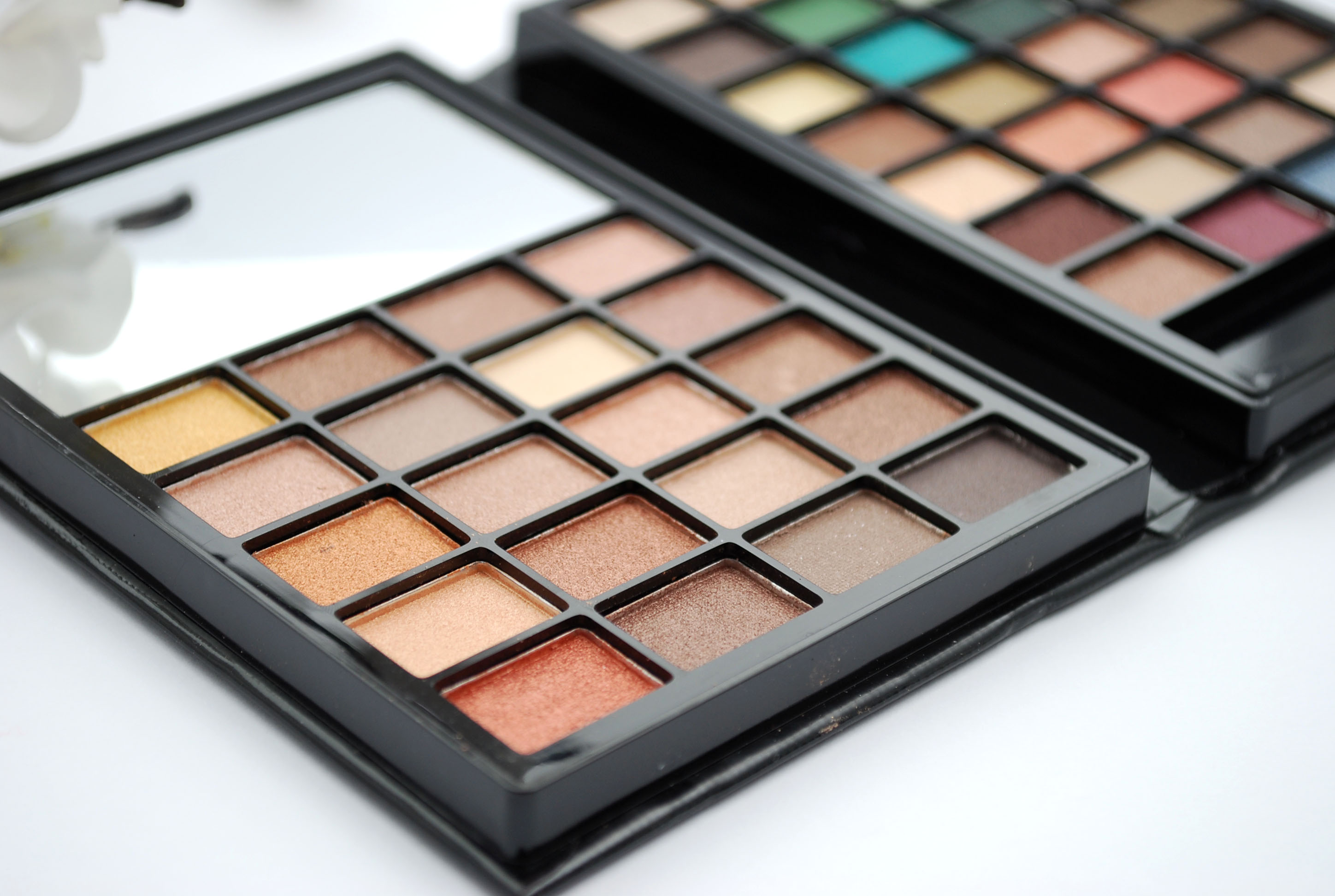 ELF beautybook warm palette review