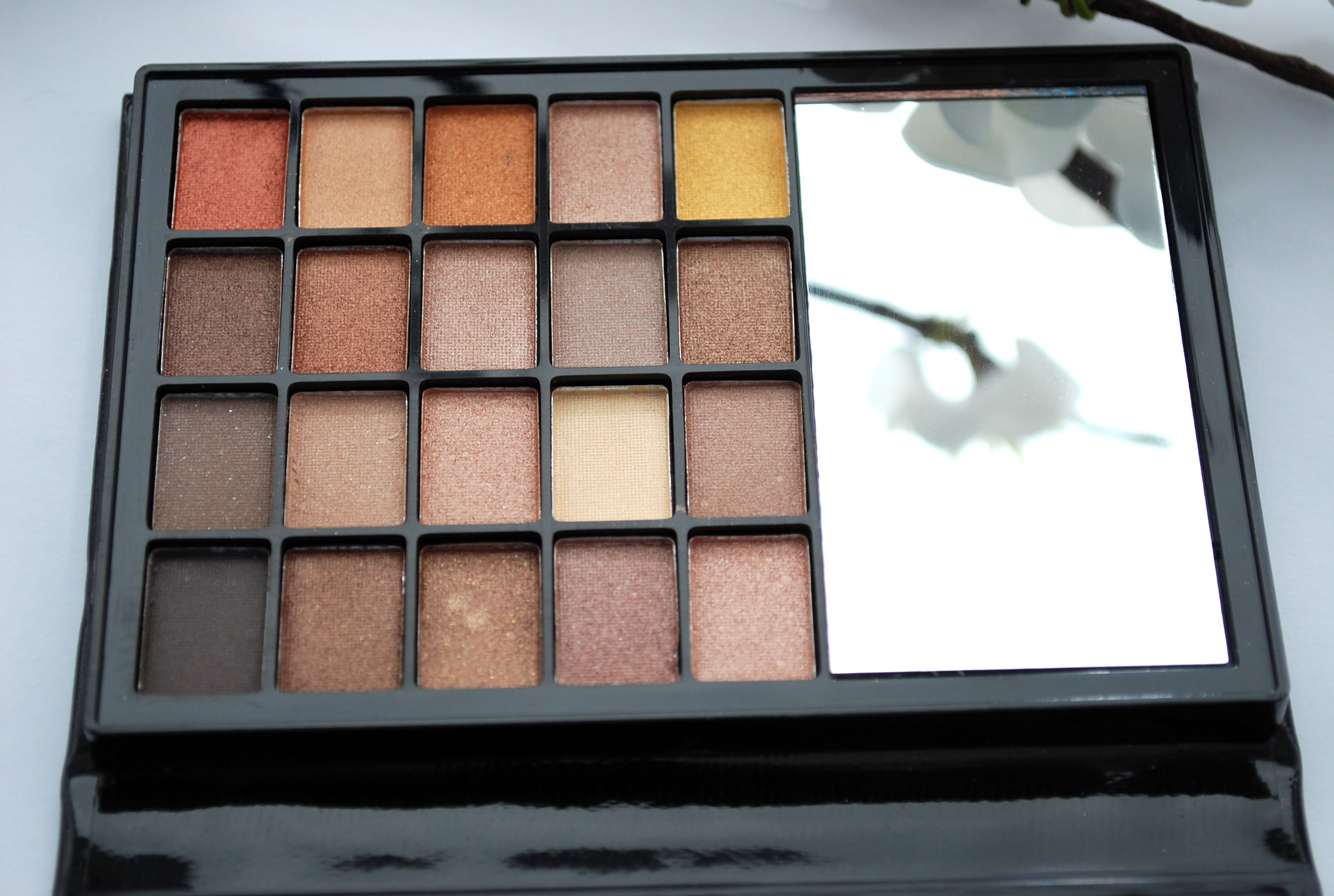 beautybook warm eyeshadow palette eyes lips face review