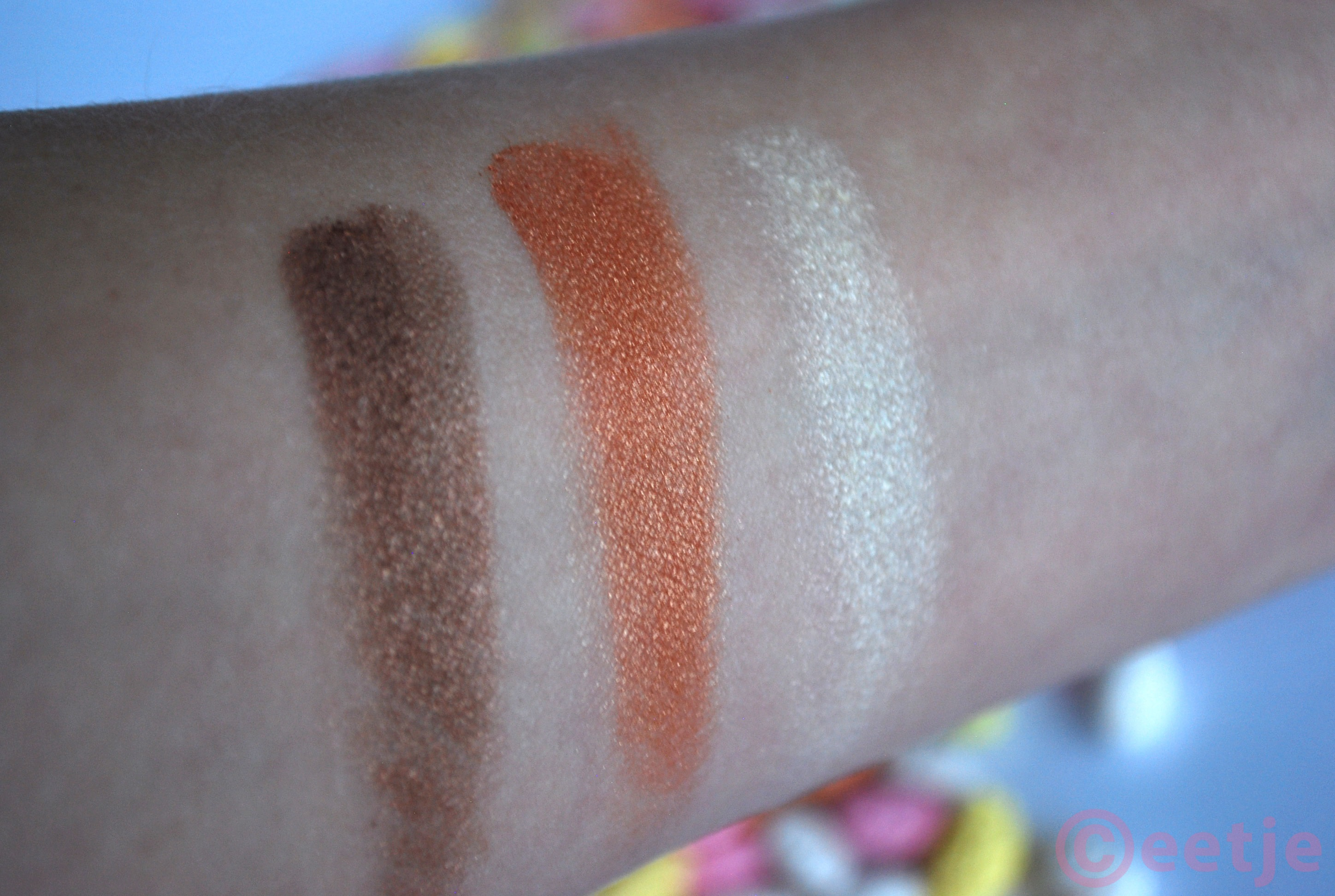 Swatches-Lioele-Dollish eyeshadow-08-bronze brown triple