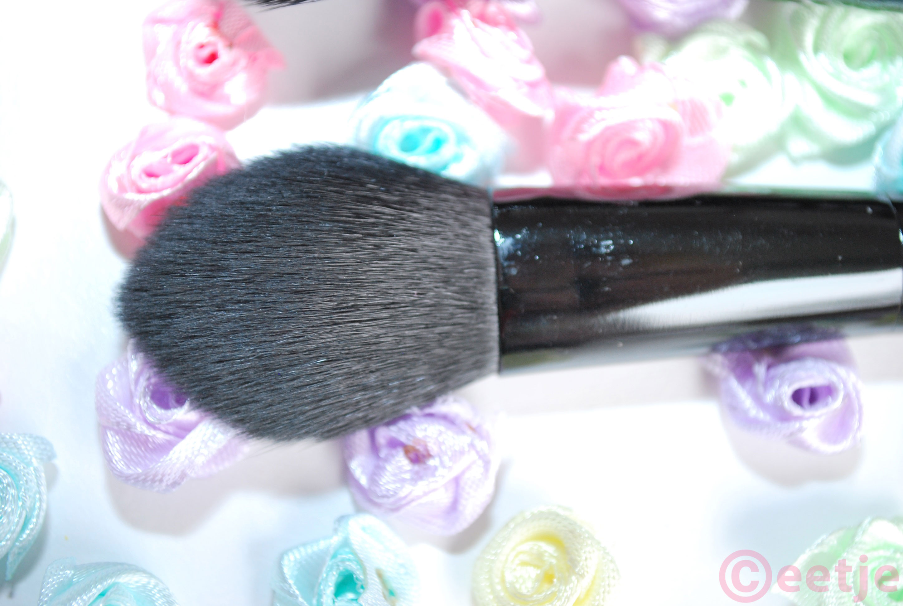contour kwast brush ELF budget
