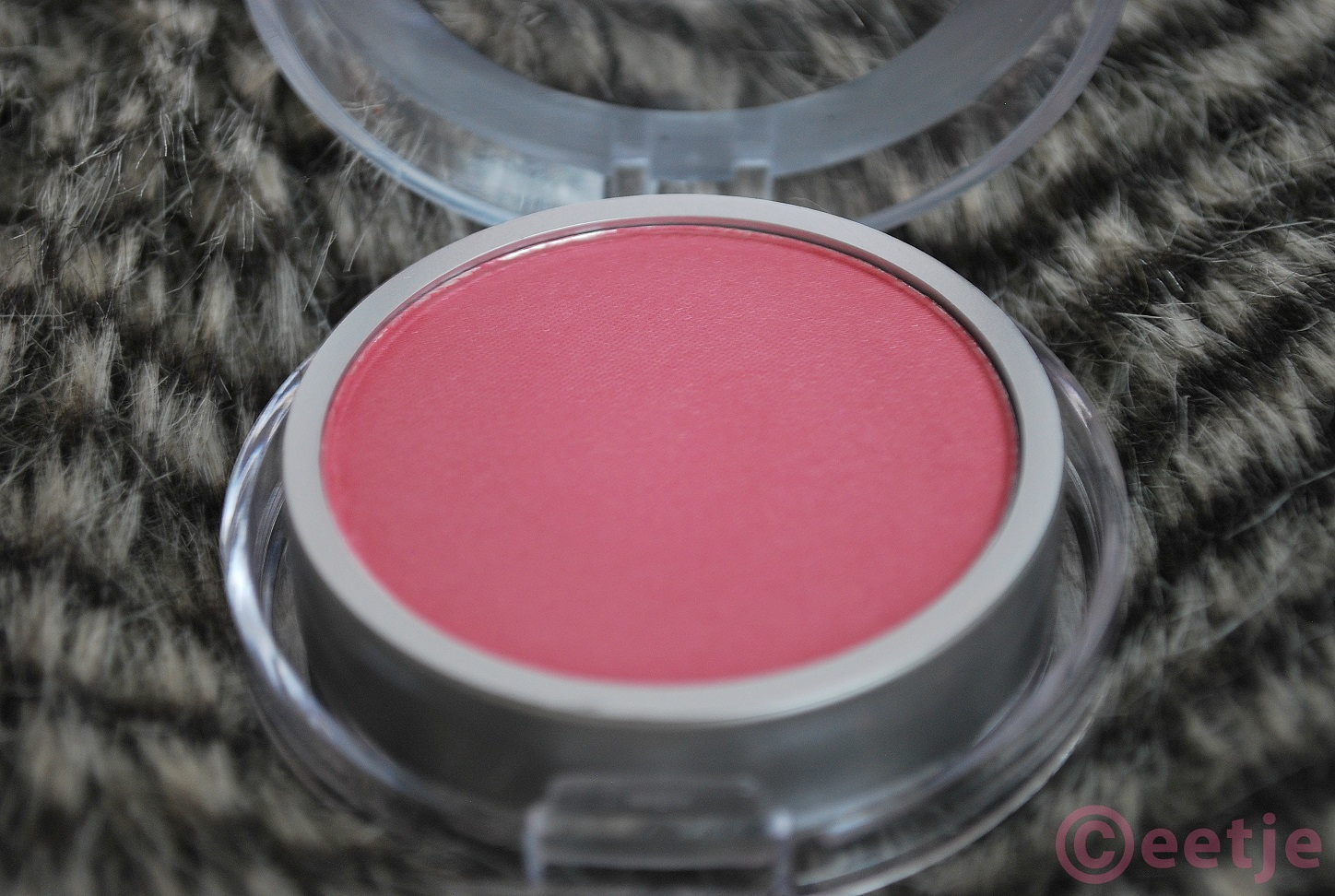 max action pressed powder blush pink