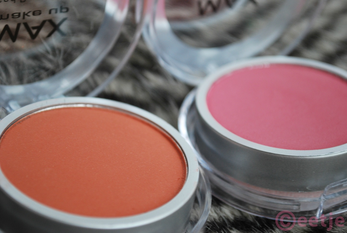 review Action Blush brown pressed powder