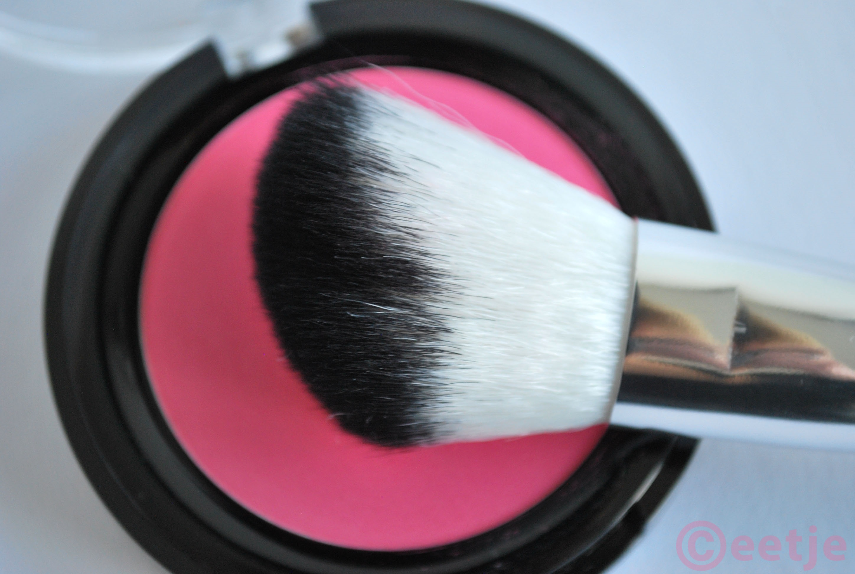 review Budget blush kwast Hema 159 contour