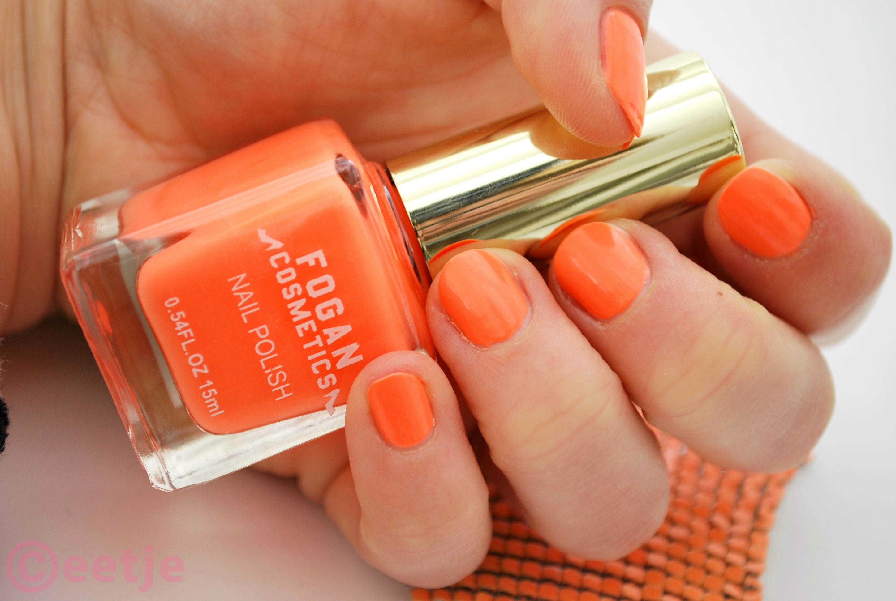 review fogan nagellak swatch oranje nummer 06