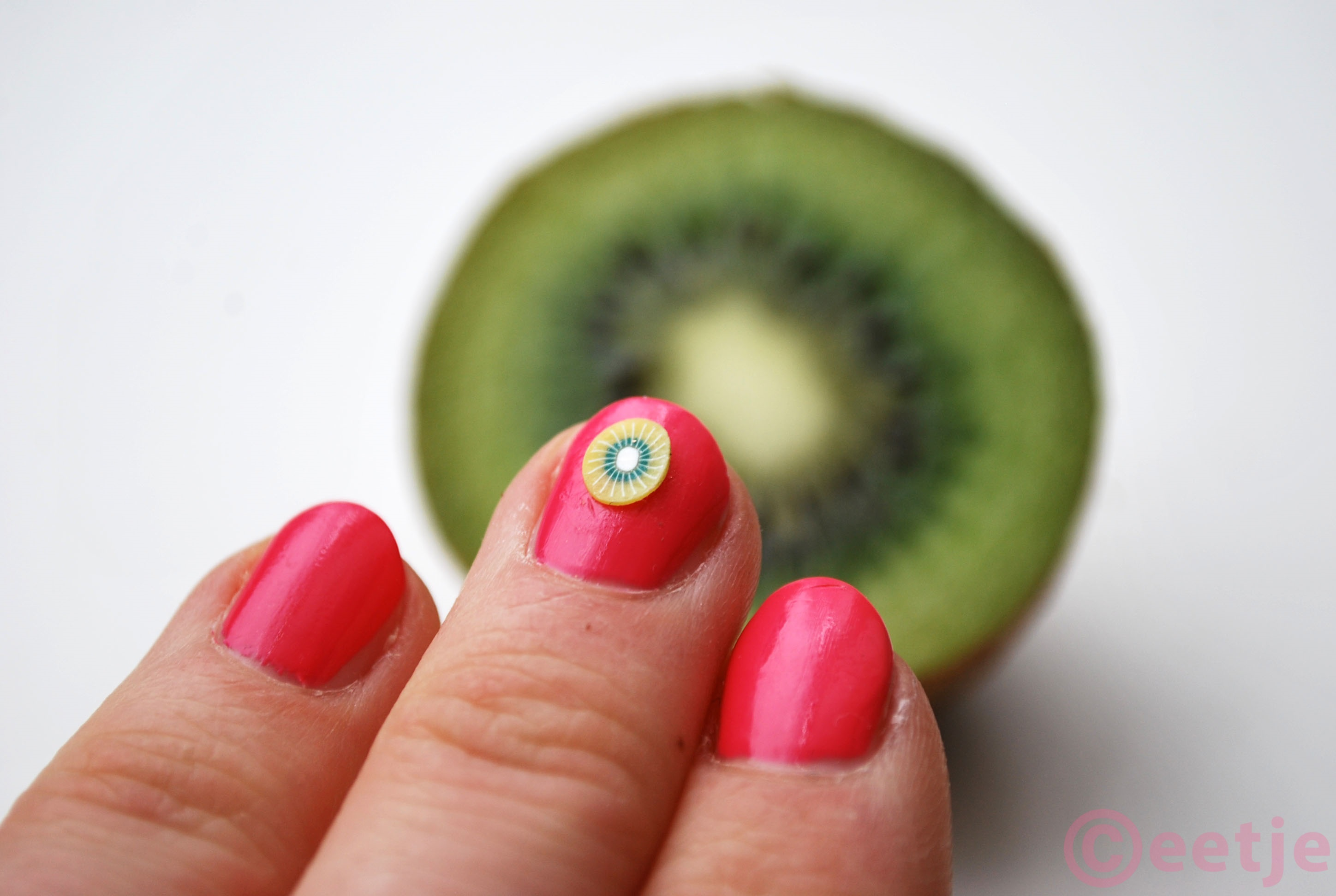 Kiwi nail art tropical fruit