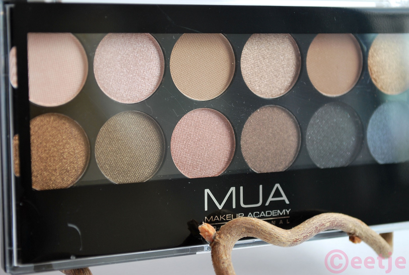 MUA oogschaduw palette Undressed review swatches