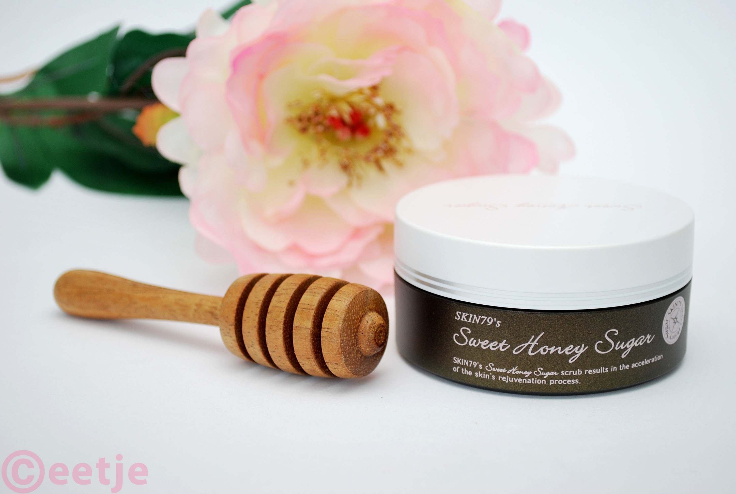 Honing bruine suiker scrub review Skin 79 sweet honey face scrub