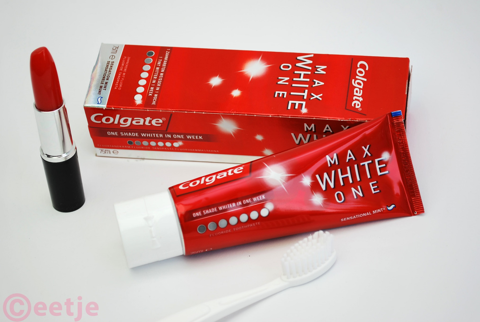 review tandpasta whitening colgate max white one