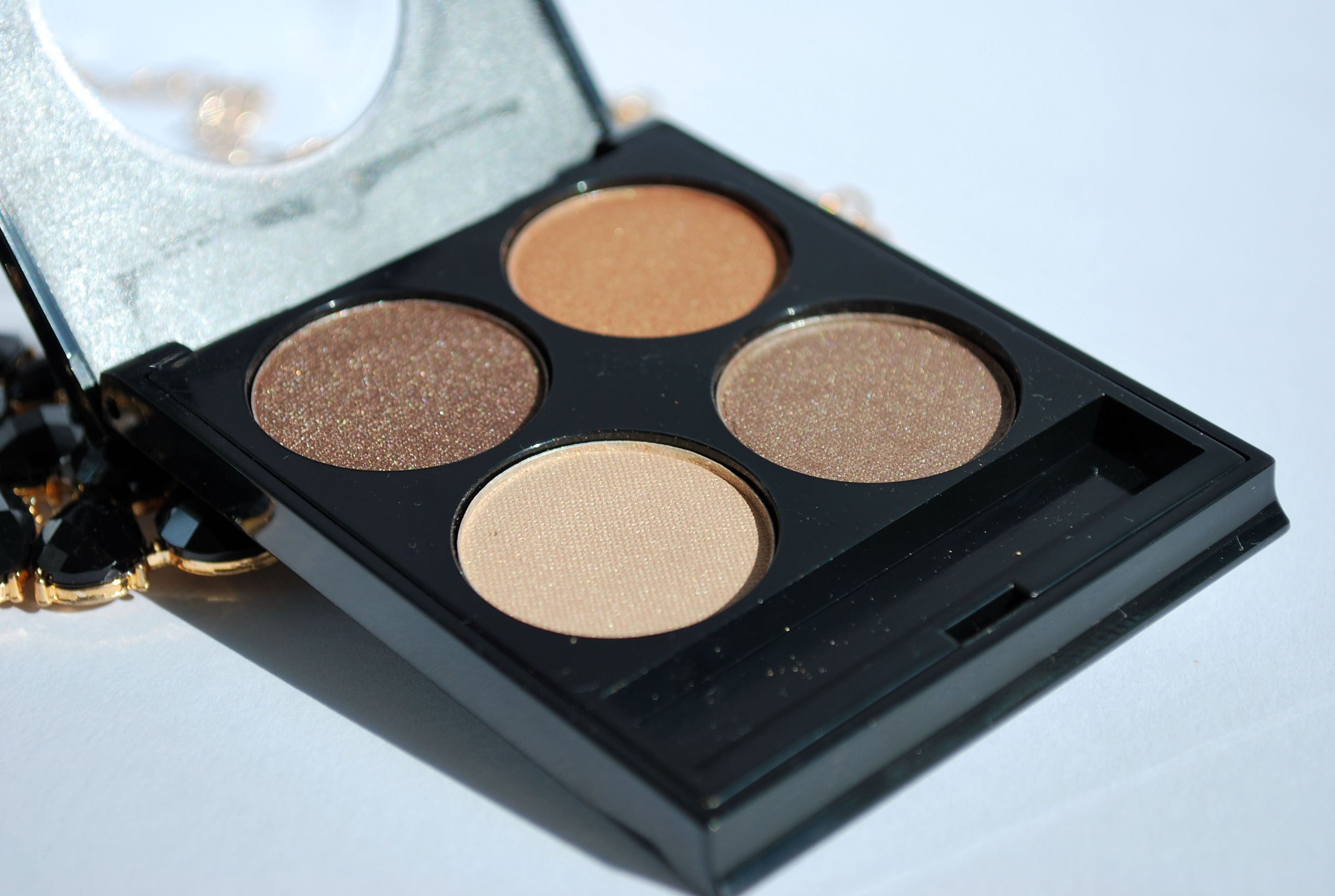 review black onyx oogschaduw palette 81 (2)