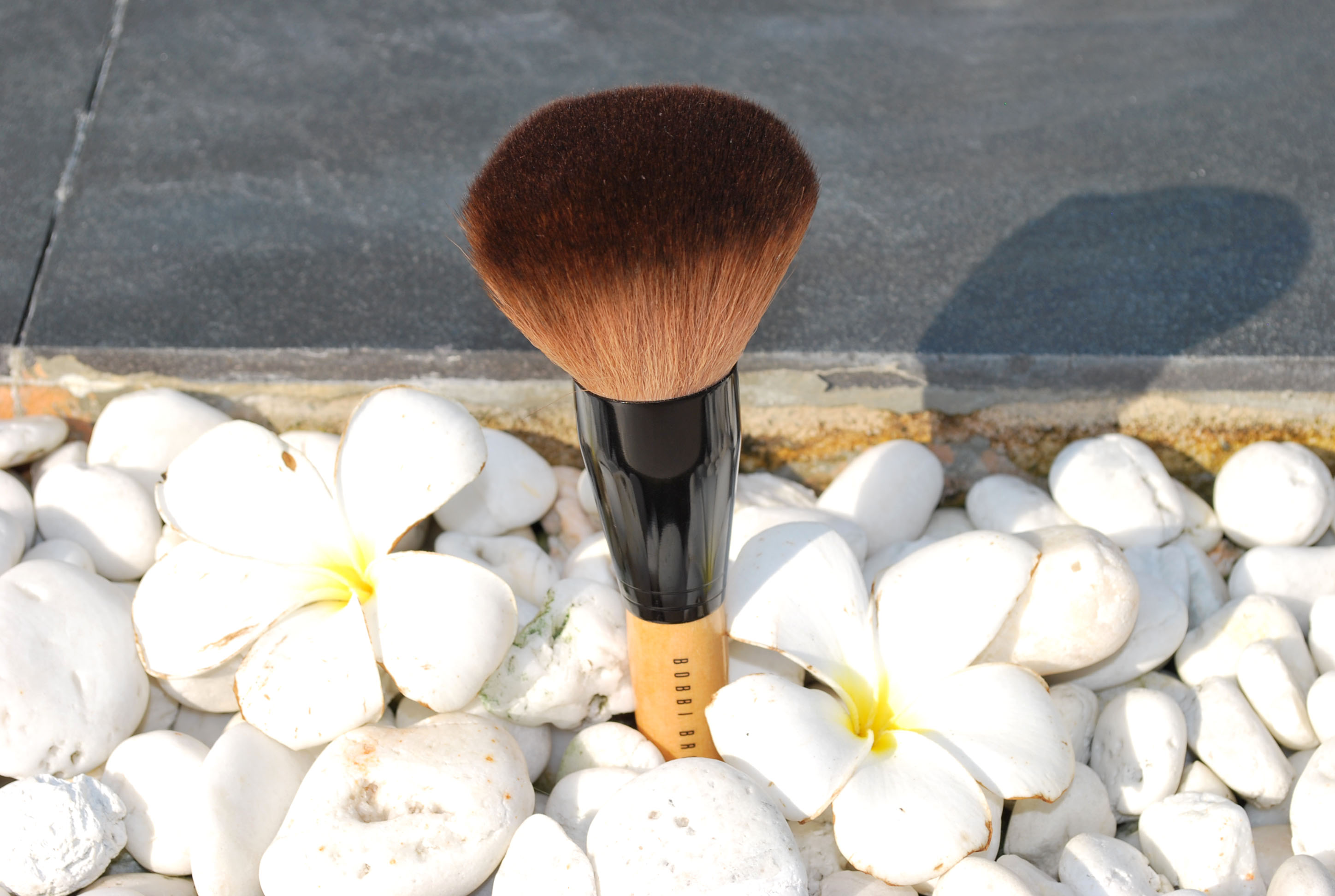 dupe Bobbi Brown powder brush review