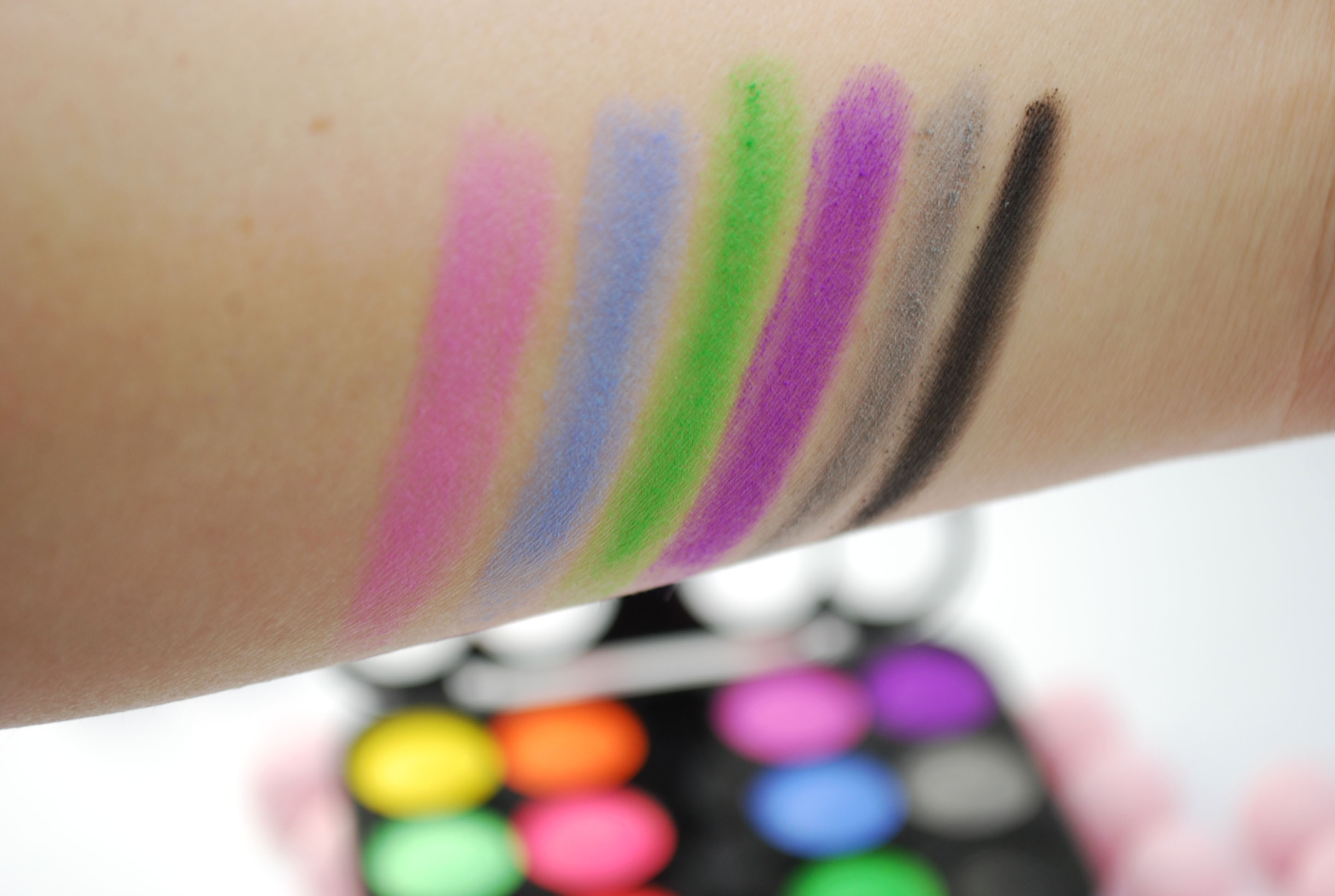 swatch review saffron matte eye shadow oogschaduw big bazar
