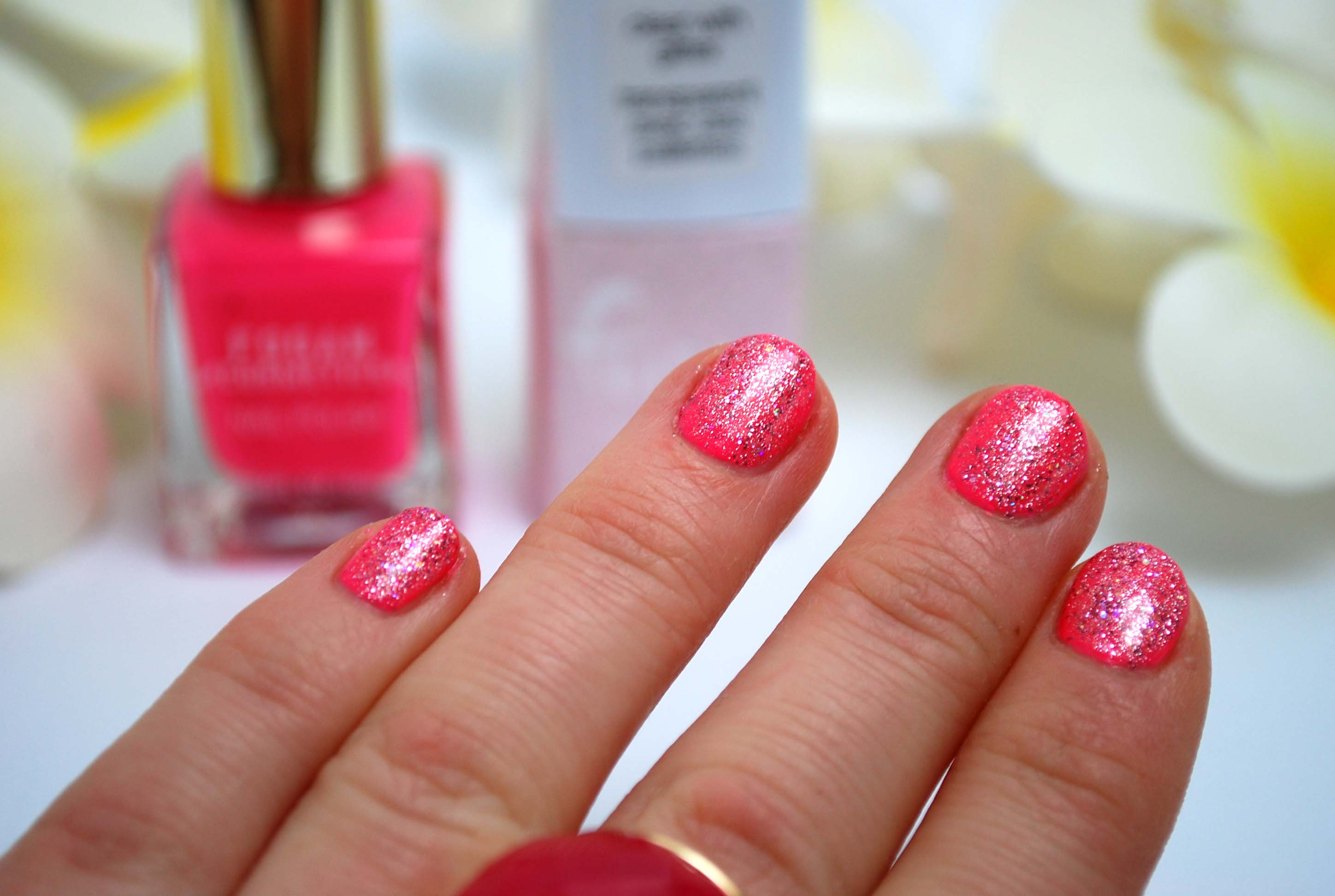 neon pink nailpolish fogan review (2)
