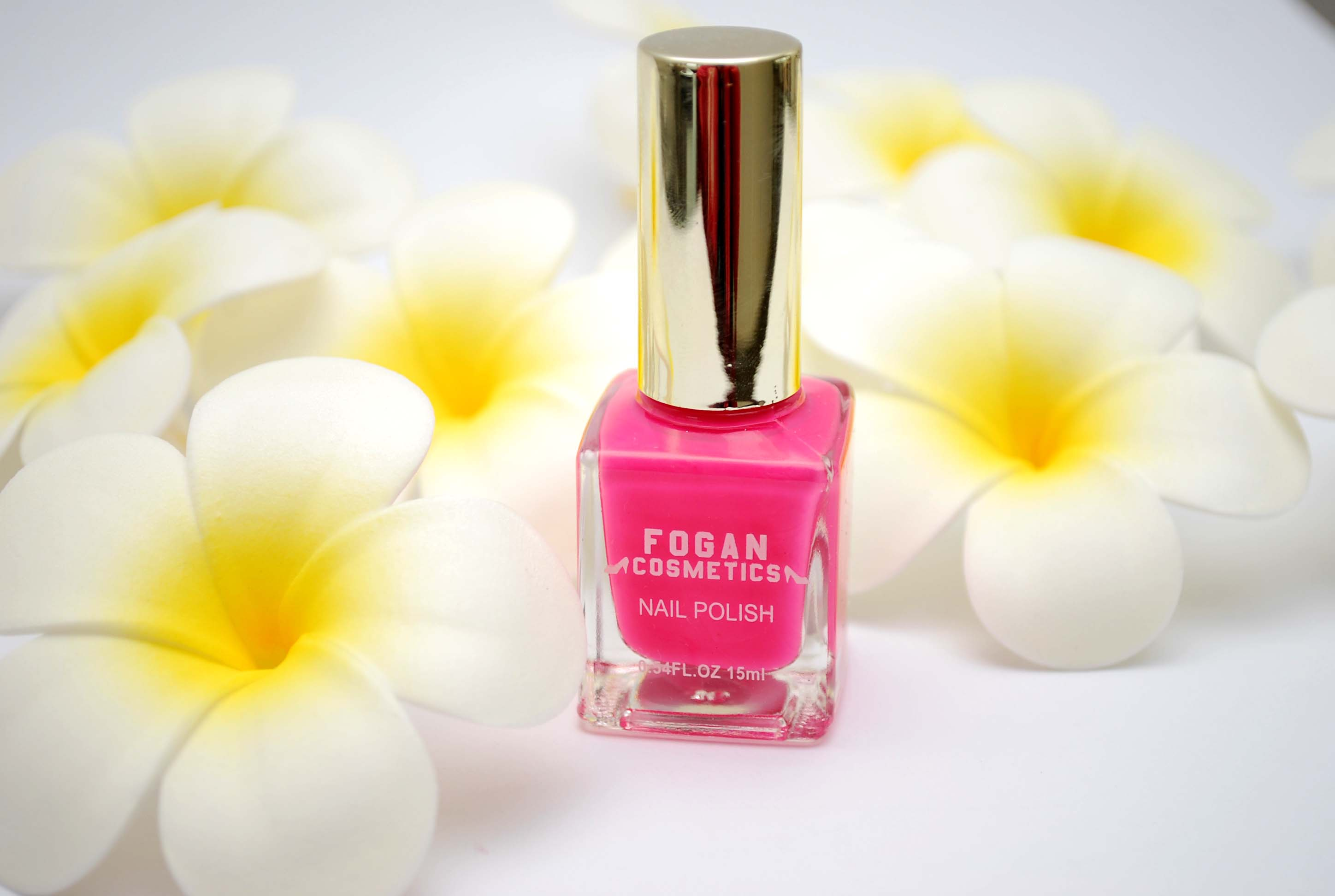 neon pink nailpolish fogan review