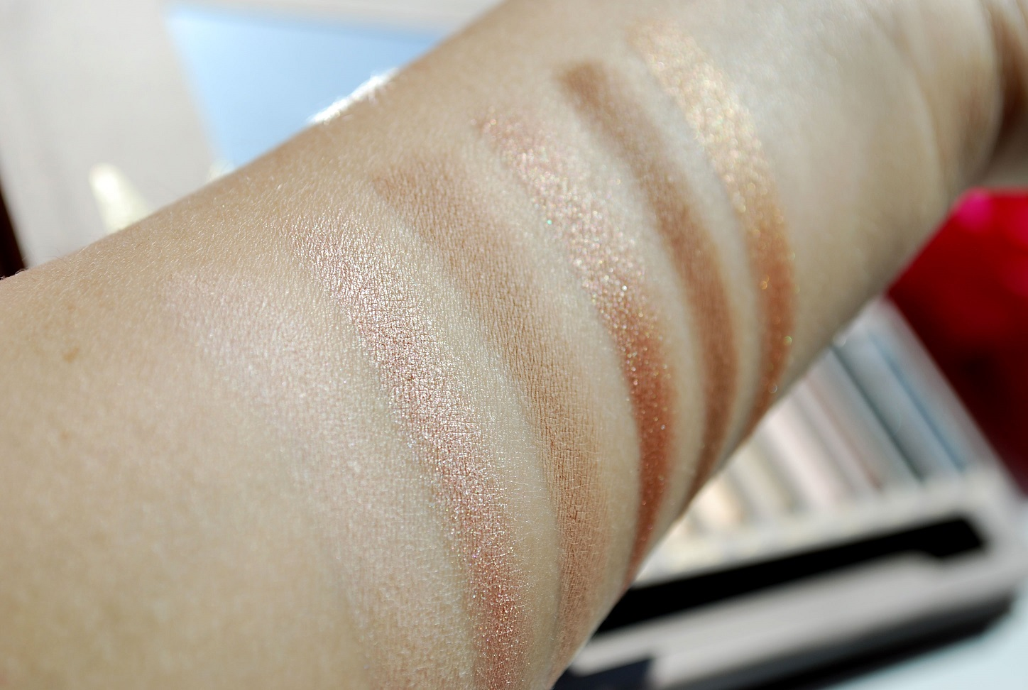 Swatch Naked UD palette