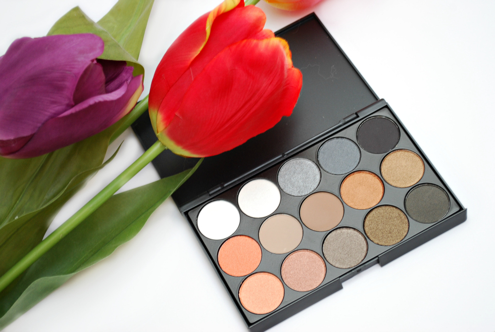 11 Colors Shimmer 4 Colors Matt Eyeshadow Palette Earth Tone Eyeshadow